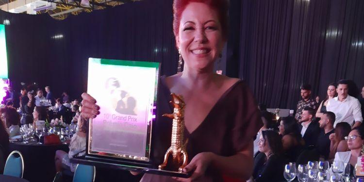 Leila Bueno vence Grand Prix pela segunda vez